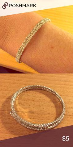 Crystal sparkly slinky bracelet Wraps around. Great for fancy nights Jewelry Bracelets