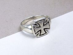 Sterling Silver Biker Gothic Maltese Iron Cross Rocker Mens Ladies Size 10 Ring #Unknown #Signet