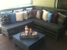 Backyard retreat on this pallets sofa  #Pallets, #Sofa