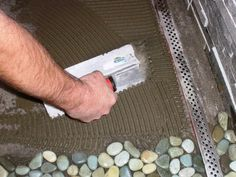 How to lay a pebble floor.