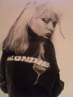 Picture of Deborah Harry Blondie Debbie Harry, Iconic Women, Famous Women, Atomic Blonde, Joan Jett, Die Young, Music Photo, Stevie Nicks, Music Icon