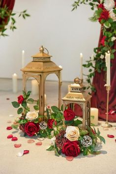 Romantic Centerpieces, Wooden Centerpieces, Lantern Centerpieces, Floral Centerpieces, Christmas Wedding Centerpieces, Wedding Ideas Christmas, Communion Centerpieces, Red Wedding Decorations, Quinceanera Centerpieces