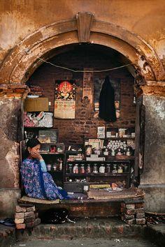Solitude and silence, Nepal - Photo Steve McCurry