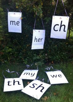 This is a clever way to reinforce phonics lessons while the weather is nice. Phonics Lessons, Phonics Reading, Jolly Phonics, Teaching Phonics, Phonics Activities, Language Activities, Learning Activities, English Activities, Teaching Resources