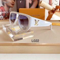 Glasses Frames Trendy, Wayfarer, Sunglasses, Sunglass Frames, Ray Bans, Jewelry, Style, Swag, Jewlery