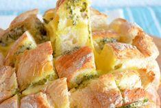 Plukbrood met kruidenboter en kaas