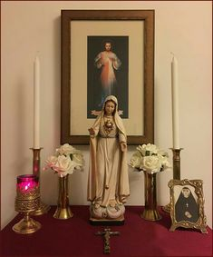 Divine Mercy at Home Home Altar Catholic, Catholic Crafts, Catholic Prayers, Roman Catholic, Altar Design, Prayer Corner, Prayer Garden, Divine Mercy, Prayer Room