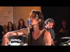 Aqueous Transmission by Incubus. You cannot help but to be calm by this song. Love the pipa. Drifting by...