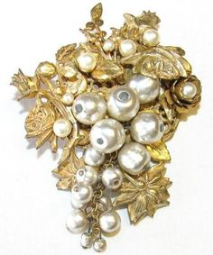 Miriam Haskell style vintage brooch
