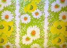 Vintage Daisies 70's Yellow Green Flower Wallpaper Hippie Retro Kitchen Bath