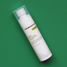 The ultimate lightweight sunscreen...a sunscreen spray, that is, for your face.