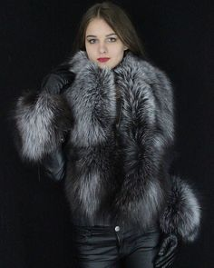 Stand above the crowd with this stylish Silver Fox Fur Stole Do not miss the opportunity, discount ends soon.bring a formal outfit to the next level. Silver Fox Fur is Premium Quality fur from Sagafurs Winter Coats Women, Coats For Women, Fur Coat Fashion, Stunning Brunette, Black Leather Gloves, Fabulous Furs, Fur Wrap, Fox Fur Coat, Collar And Cuff