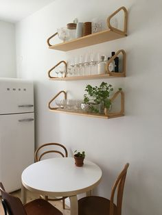 Kitchen Wall Shelves, Pretty Room, Dream Decor, Scandinavian Interior, Floating Shelves, Kitchen Dining, Sweet Home, Alvar Aalto, Nordic Style