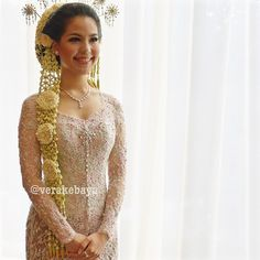 Kebaya Pernikahan Vera Kebaya, Batik Kebaya, Kebaya Dress, Kebaya Brokat, Javanese Wedding, Indonesian Wedding, Wedding Attire, Wedding Gowns, Indonesian Kebaya