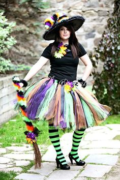 Love this Halloween costume. Cute halloween costume for mom Adult Halloween, Halloween Kostüm, Diy Halloween Costumes, Witch Tutu Costume, Witch Dress, Halloween Clothes, Halloween Cosplay, Costume Ideas, Adult Costumes