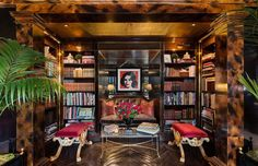 This isn't just an outrageoulsy expensive home. Listed for a staggering $80 Million, Tommy Hilfiger's New York penthouse has something unique about it, something that really catches one's eye: a rich and unique decor inspired by the early 1900's glamour. You'll find out why next!