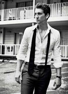 Male Fashion Trends: Miles Teller para Esquire USA Septiembre 2015 por Vincent Peters