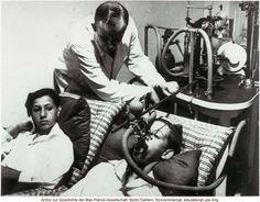 Durante la Segunda Guerra Mundial se cometieron incontables crímenes, entre ellos los realizados por científicos y médicos; terribles experimentos nazis.