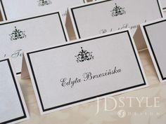 Ręcznie robione winietki ślubne klejone po całej powierzchni, bardzo sztywne. Wizytówki z nazwiskami gości na wesele z ornamentem, zdobione cyrkonią.