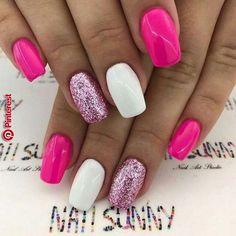 nails pink glitter \ nails pink + nails pink glitter + nails pink and white + nails pink acrylic + nails pink and black + nails pink ombre + nails pink and blue + nails pink short Stylish Nails, Trendy Nails, Vacation Nails, Nail Polish, Nail Nail, Cute Acrylic Nails, Glitter Nail Art, Nail Swag, Cute Nail Designs