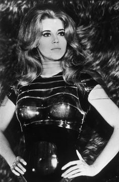 Jane Fonda in Paco Rabanne for the film Barbarella. Best Hollywood Actress, Hollywood Actresses, Actors & Actresses, Hollywood Stars, Paco Rabanne, Brigitte Bardot, Zsa Zsa Gabor, Lee Meriwether, Yvonne Craig