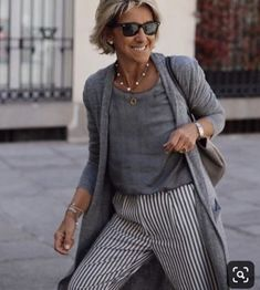 Best Fashion Tips For Women Over 60 - Fashion Trends Over 60 Fashion, Over 50 Womens Fashion, Fashion Over 50, Cute Fashion, Fashion Looks, Fashion Outfits, Fashion Trends, Fashion Fall, 50 Style