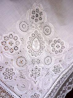 detail výšivky z ručníka, okolie Trnavy