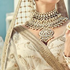 Sabyasachi Mukherjee Spring-Summer An Endless Summer For all Jewellery.The World Of Sabyasachi Brides. Sabyasachi, Lehenga, Anarkali, Mode Renaissance, Indian Bridal Fashion, India Jewelry, Summer Jewelry, Indian Designer Wear, Indian Wear