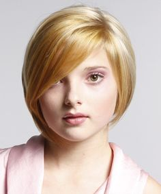 Cute Short Haircut Styles For Round Faces Females