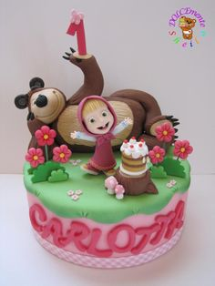 Omg, this is the cutest cake ever! The little girls expression is so cute! Masha and the Bear by Sheila Laura Gallo Novelty Birthday Cakes, Baby Birthday Cakes, Bear Birthday, Fondant Cakes, Cupcake Cakes, Masha Cake, Masha Et Mishka, Masha And The Bear, Crazy Cakes