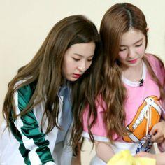 Seulgi, Kpop Girl Groups, Kpop Girls, Redvelvet Kpop, How To Tie Ribbon, Bunny And Bear, Kim Yerim, Red Velvet Irene, Sooyoung