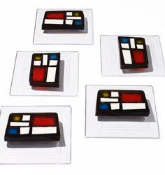 Arte Moderno en la mesa como postre :) pbsparents:  Dessert or art: You be the judge! Source:http://www.sarahanneward.com/