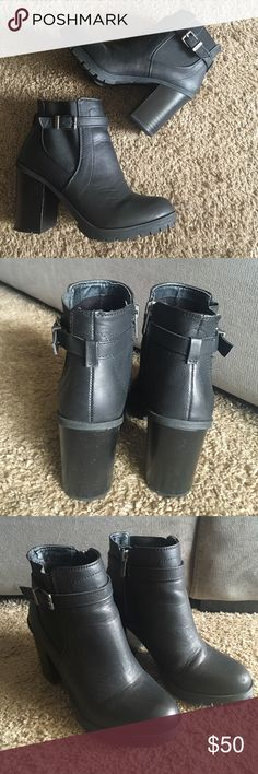 """Sam Edelman Booties Gently used, size 7 Sam Edelman Circus booties! Absolutely stunning with skinny or cropped jeans. Heel height approx. 3"""". Leather in great condition, some sign of wear. Open to offers, no trades, no Ⓜ️. Smoke free home! Sam Edelman Shoes Ankle Boots & Booties"""