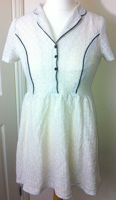 New - Womens PUSSYCAT LONDON White Collared Black Trim Skater Dress Size 10/12