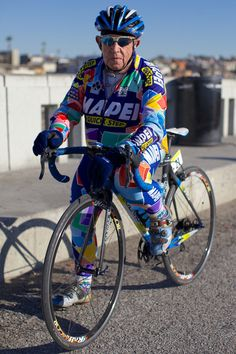 bmx bikes for older guys Vintage Bmx Bikes, Bmx Freestyle, Elderly Man, Cycling Art, Cool Bicycles, Old Men, Men Looks, Vintage Men, Guys