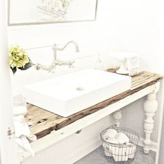 Plum PrettyHow to Transform Your Builder Basic Half Bath- A Simple & Fresh Bathroom Makeover —