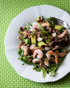 Shrimp, Avocado and Grapefruit Salad. This easy and healthy shrimp salad is perfect year round! You'll love the cilantro dressing too! Avocado Recipes, Fruit Recipes, Salad Recipes, Healthy Recipes, Delicious Recipes, Shrimp Avocado, Spicy Shrimp, Shrimp Salad, Keto Avocado
