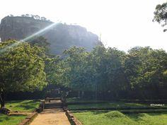 Sigiriya, Le Rocher Aux Lions Sri-Lanka #SriLanka http://ThatsMee.fr