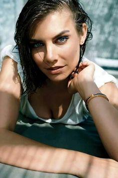Stunning Lauren Cohan