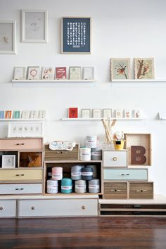 Love this craft corner & storage space idea for toddlers & kids!