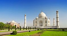 Same day Taj Mahal Tour by car can give you the time which is very good enough and the time which is worth remember. Most of the tourists just want to get some amazing moments so that they could share it with their loved ones.