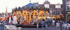 Al ruim vijfenhalve eeuw wordt er in Hoorn kermis gevierd. In 1446 gaf Filips de Goede de stadsbestuurders toestemming om drie dagen voor en drie dagen na de dag van Sint Laurens een markt te houden, de voorloper van de huidige kermis. De dag van Sint Laurens was op 10 augustus en nog steeds vindt de Hoornse kermis rond die datum plaats. De kermis start volgens overlevering op 'de zondag voor de tweede maandag in augustus'. Later is daar de voorafgaande zaterdag aan toegevoegd. De kermis in…