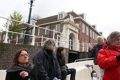 Unterwegs mit Kapitän Rien auf den Kanälen von Leiden Holland http://www.travelworldonline.de/traveller/leiden-holland-vom-boot-aus-kennenlernen/?utm_content=bufferb0ed8&utm_medium=social&utm_source=pinterest.com&utm_campaign=buffer .. #trh15 #ontdeckleiden #leiden