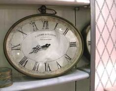 Horloge gousset ovale à poser Galerie du Gaston Chehoma