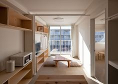 Shigeru Ban, Container Temporary Housing, Onagawa, Miyagi, Japan Photo by Hiroyuki Hirai Container Home Designs, Container Van House, Container Buildings, Container Architecture, 40ft Container, Sustainable Architecture, Shigeru Ban, Miyagi, Home Interior