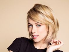 iliza shlesinger ...really like her short hair