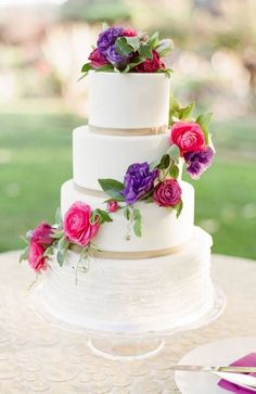 Wedding cake idea; Featured Photographer: KT Merry, Featured Cake: Sweet on Cake
