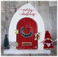 Christmas Fairy Door Claire Murphy Crafts Christmas Garden, Christmas Door, Diy Christmas Gifts, Christmas Projects, Snowman Crafts, Christmas Crafts, Christmas Ornaments, Elf Door, Door Crafts
