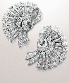 VCA Eventail earrings owned by Her Imperial Highness Soraya of Iran, Van Cleef & Arpels' Collection Art Deco Jewelry, Vintage Jewelry, Diamond Tops, Van Cleef Arpels, Work Inspiration, Iran, Luxury Branding, Jewelery, Fashion Jewelry