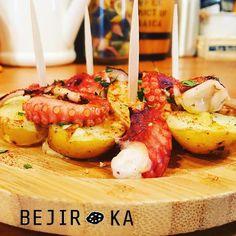 ✨本日のおすすめ✨ 🍍🍇🍓🍈🍒🍑 『一色産時蛸とじゃがいもコンフィのガリシア風』 ・ ガリシア風と聞くと蛸の料理をイメージされると思いますが、スペインのガリシア地方の郷土料理の事を言うらしいです🤔🐙 ・ 本日もスタッフ一同お待ちしてます😊💕 ・ #ベヂりに行こうか 🍆 #ベヂロカ #bejiroka #名古屋 #nagoya #時蛸 #じゃがいも #コンフィ  #名駅 #名古屋駅 #バル  #野菜 #vegetables #野菜ソムリエ #ワイン #wine  #サラダ #salad  #ピザ #pizza #スイーツ #sweets #野菜たっぷり #ベジタリアン#vegetarian #美容 #健康 #料理 #肉